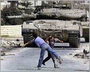 crianas-palestinas-pedradas-tanques