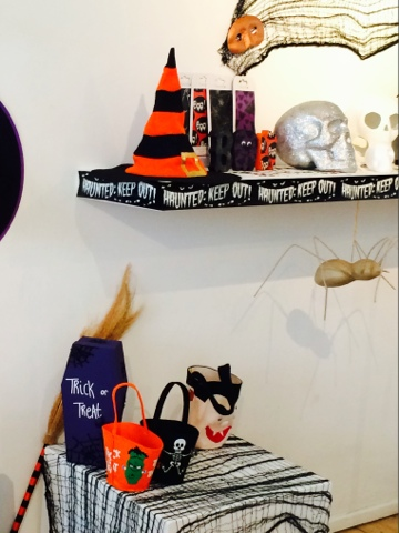 Halloween Craft - halloween cobweb netting - Little House Lovely - Hobbycraft -