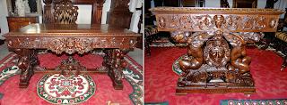 Изумительный резной стол ок.1850 г. Резьба, выдвижные ящики. 140/90/78 см. 10000 евро.