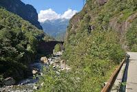 Aus dem Centovalli-Tal nach Masera und zurück in die Schweiz zum Simplonpaß.