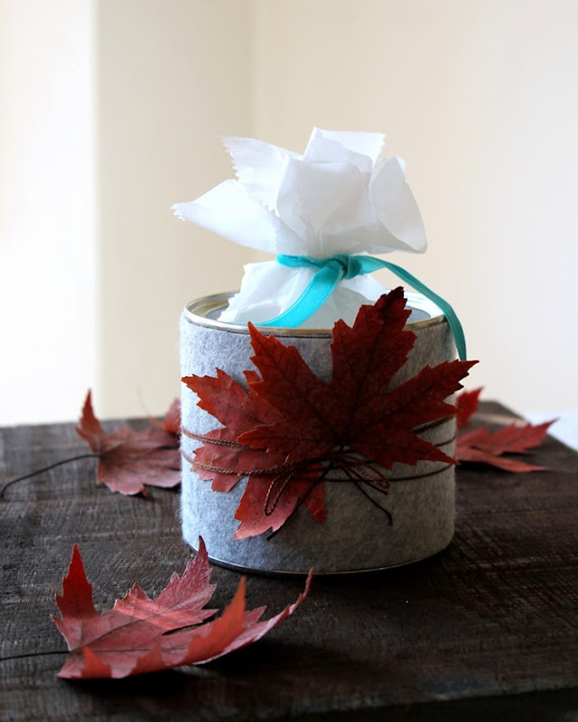 Grey Felt Fall Treat Tin - carolynshomework (6)
