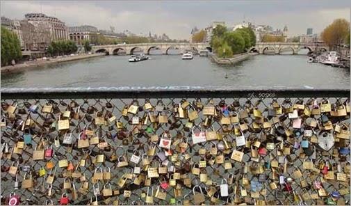 lugares-más-románticos-de-Paris-Pont-des-Arts