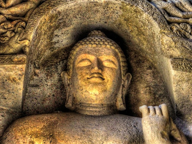800px-Buddha_in_kanheri_caves