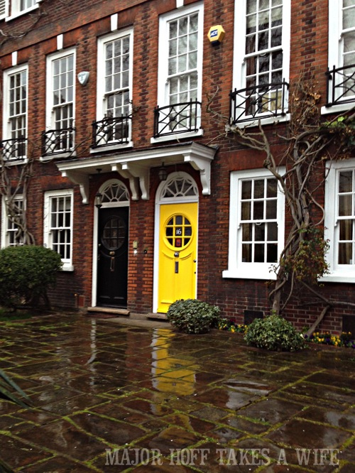 Front door painting ideas. Looking for painting ideas? About to pick a front door color? Be inspired by these doors found in London. From classic to bold, there is sure to be a color that suits you! #color #inspiration #London #FrontDoor #paintingideas