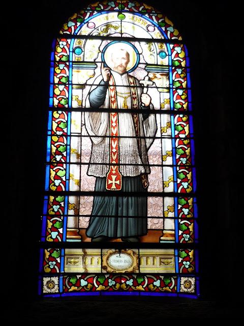 Un beau Saint régis en habit de lumière à Montfaucon ...