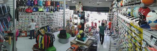 Bazar Esporte, R. Monsenhor Messías, 215 - Centro, Sete Lagoas - MG, 35700-041, Brasil, Loja_de_artigos_desportivos, estado Minas Gerais