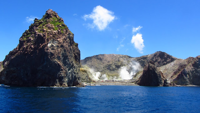Approaching White Island.