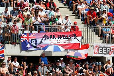 австрийские болельщики Марка Уэббера на трибунах Гран-при Австрии 2014