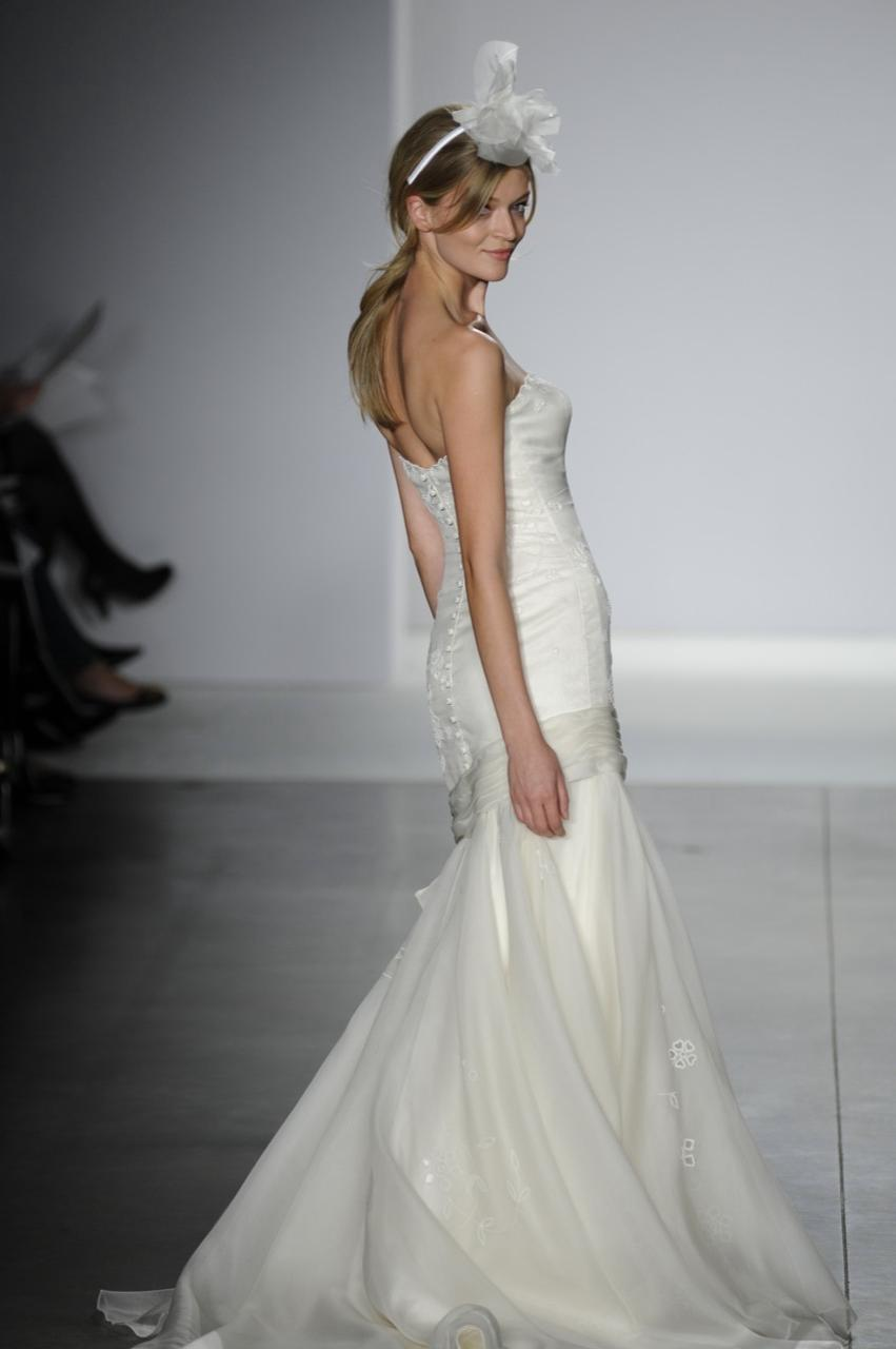 Spring2009-wedding-dress-1