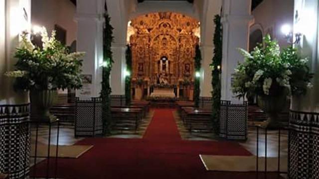 la primera imagen del interior de la iglesia.