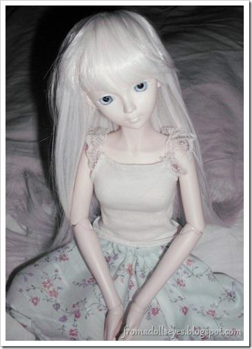 BJD wearing a Dollzone Wig