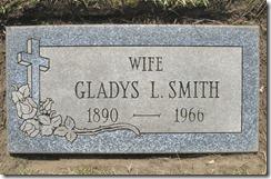 GOULD_Gladys L married name SMITH_1890-1966_GrandLawnCem DetroitMich_taken by FAG volunteer 18 Apr 2012