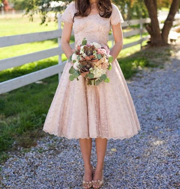 [Tea-Length-Ivory-Vintage-Lace-Bridal-Gown%255B5%255D.jpg]