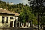 widok z Albaicin na pałac w ogrodach Generalife