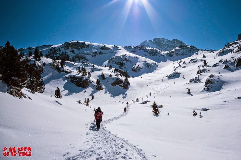 Seguimos hacia el Pico Tablato y su diagonal de derecha a izquierda. © aunpasodelacima