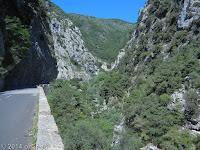 Südrampe des Col de Turini (1607 m) Richtung Sospel. Blick zurück in die Schlucht des Flüßchens La Bevera.