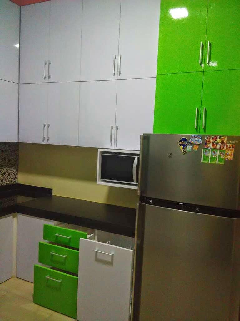 Kitchen Set Hpl Putih Hijau Furniture Kitchen Set Minimalis Lemari