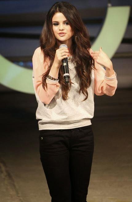 Selena Gomez cute (7)