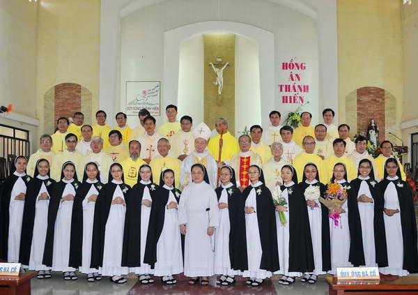 Chúc Mừng Các Hội Dòng Nữ Đa Minh Việt Nam : Mùa Thánh Hiến 2015.