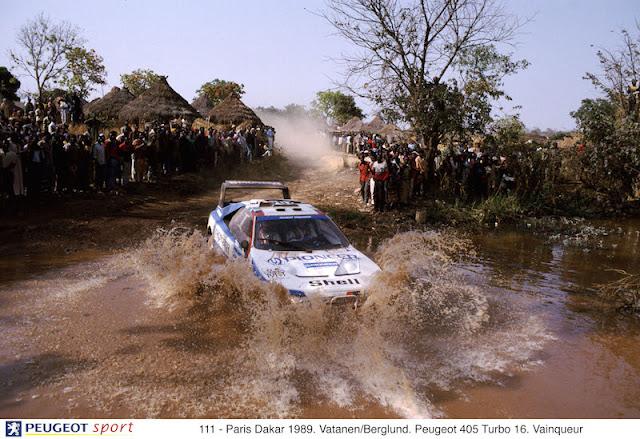 111 - Paris Dakar 1989. Vatanen/Berglund. Peugeot 405 Turbo 16. Vainqueur