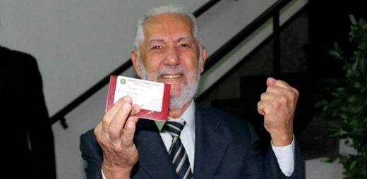 1 - Aos 82, pega carteira da OAB, faz pós e quer abrir escritório de advogado