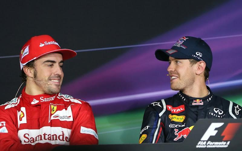 Фернандо Алонсо и Себастьян Феттель на пресс-конференции в воскресенье на Гран-при Индии 2012