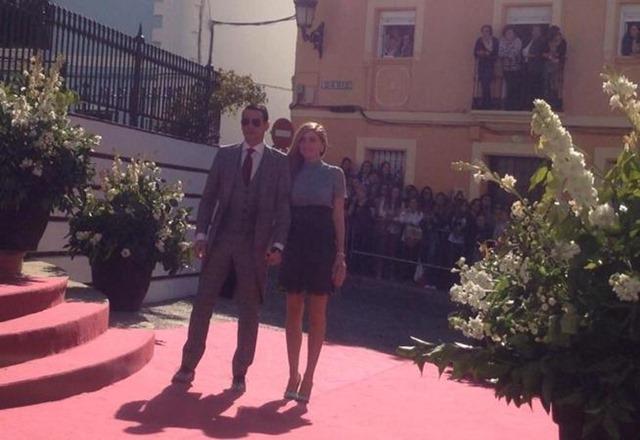 José María Manzanares junto a su mujer, Rocio Escalona.