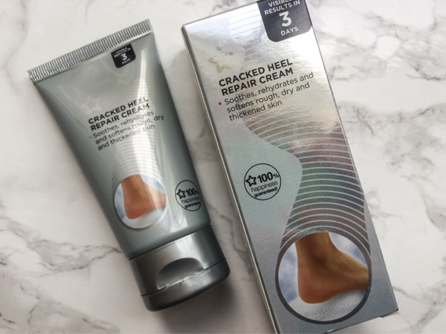 beauty-blog-summer-foot-care-essentials-scholl-fresh-step-shoe-spray-scholl-dry-skin-intensive-cream-superdrug-moisturising-socks-exfoliating-foot-scrub-cracked-heel-repair-cream-diamancel-diamond-foot-buffer-#11-nail-polish-barry-m-models-own-hyper-gel-turquoise-gloss