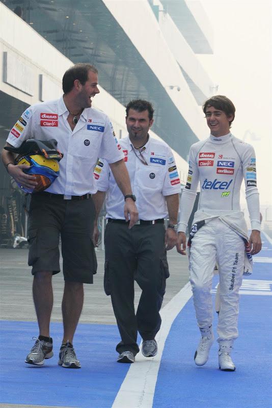 Эстебан Гутьеррес и механики Sauber на Гран-при Индии 2012