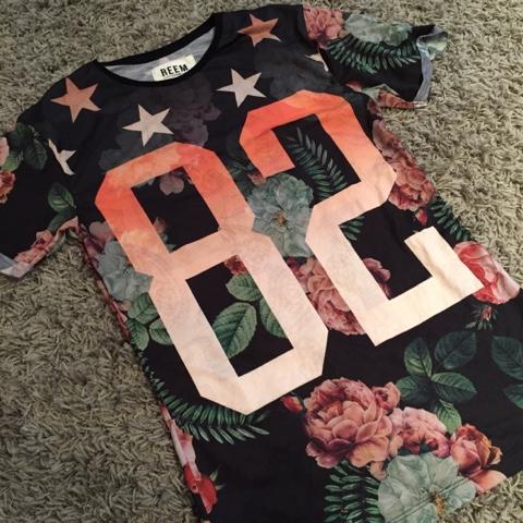 reem clothing number tee