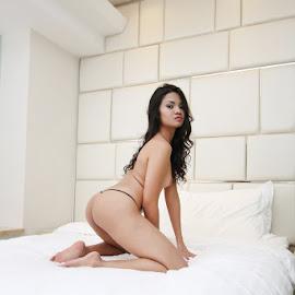 True Beauty by ObjeKtiva Artphoto - Nudes & Boudoir Artistic Nude ( indonesian, sexy, model, gorgeous, boudoir, beautiful, artnude, feminine, seminude, beauty, sensual )