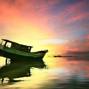 Morning Strugle by Alit  Apriyana - Transportation Boats