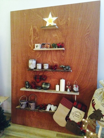 Christmas Tree Shelf - DIY Craft