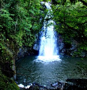 Tempat Wisata Air Terjun Haratai yang Tersembunyi