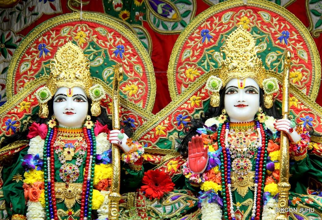 ISKCON Juhu Sringar Deity Darshan 09 Feb 16 (30)