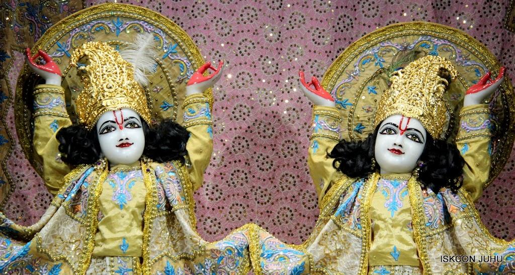 ISKCON Juhu Mangal deity Darshan 09 Feb 16 (29)
