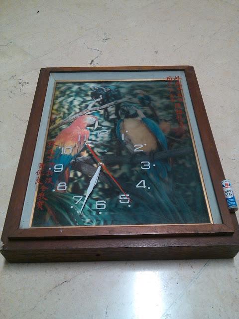 Jam Dinding Vintage Box Kayu Burung Nuri