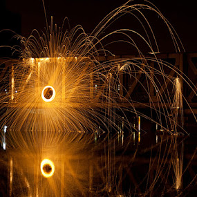 Wirewool Spin Reflection by Andro Andrejevic - Abstract Light Painting