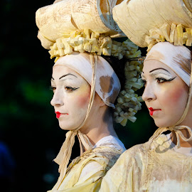 JAPONEZELE by Constantinescu Adrian Radu - People Musicians & Entertainers ( statui vivante )