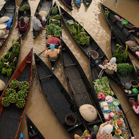 floating market the beauty of south borneo by Muhammad Fakhriannur - News & Events World Events