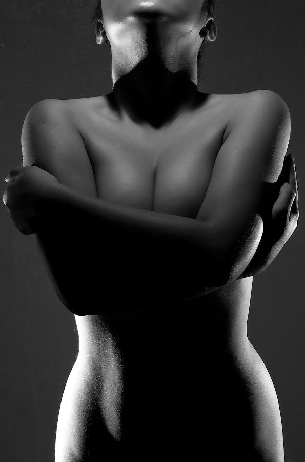 by Rene Elazegui - Nudes & Boudoir Artistic Nude