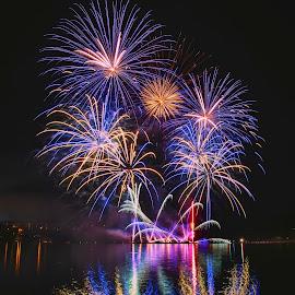Hra světel by Petr Olša - Abstract Fire & Fireworks