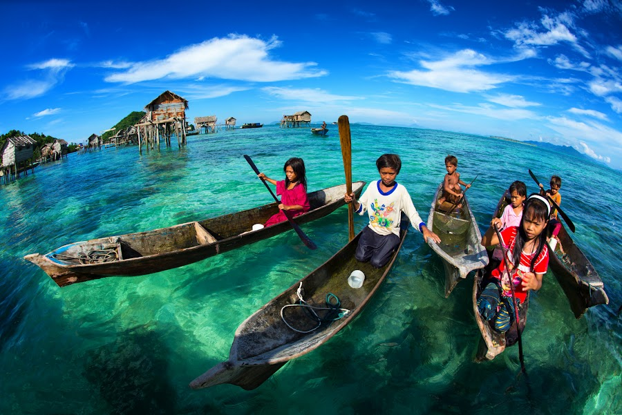 Children of the sea by Siew Jun Han - People Street & Candids ( child, sky, blue, semporna, boats, sea, children, malaysia, ocean, kids, sabah )