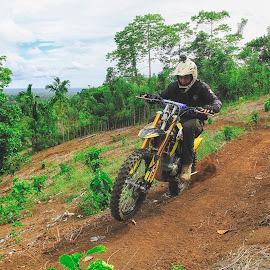 Trail by Oenta Jingkrax - Sports & Fitness Motorsports