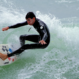 Equilibre by Gérard CHATENET - Sports & Fitness Surfing