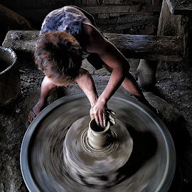 Hurry, potter!! by Aly Reyes - People Professional People ( photographybyaly, aly, alyreyes, potter, worker, philippines, motion blur )