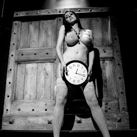 In time by Adriano Ferdinandi - Nudes & Boudoir Artistic Nude
