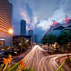 High Traffic by Mario Wibowo - City,  Street & Park  Vistas ( suntec, mario wibowo, trail, d300, nikon, singapore, fotorio )