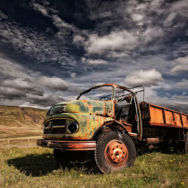 Z 466  by Þorsteinn H. Ingibergsson - Transportation Automobiles ( clouds, iceland, sky, truck, structor, rusty, transportation, abandoned )