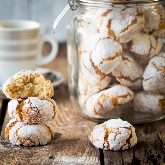 Chewy Amaretti Cookies Recipe | Yummly
